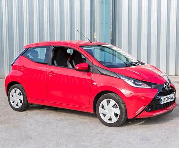 Hire a Toyota aygo car in Oxford