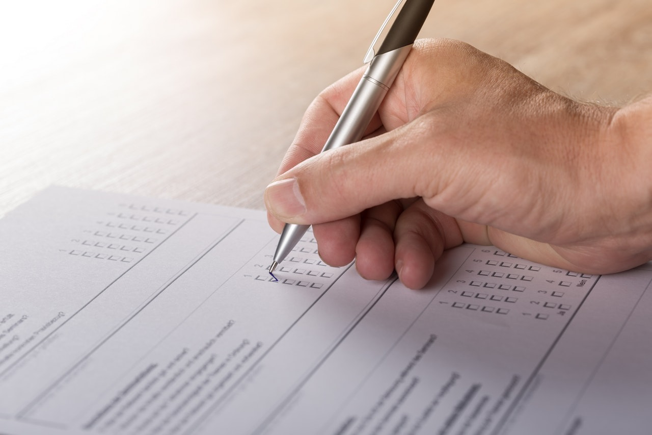 instructor marking minors for driving test
